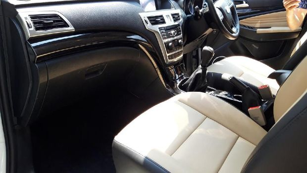 Interior Esemka SUV Garuda 1