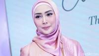 Operasi Plastik Jadi Titik Fenita Arie Berhijrah