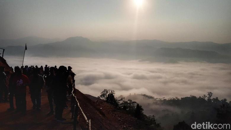 Negeri di Atas Awan Gunung Luhur (Afif Farhan/detikcom)