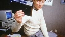 Main Kartu Remi, Rutinitas Bill Gates di Tengah Pandemi