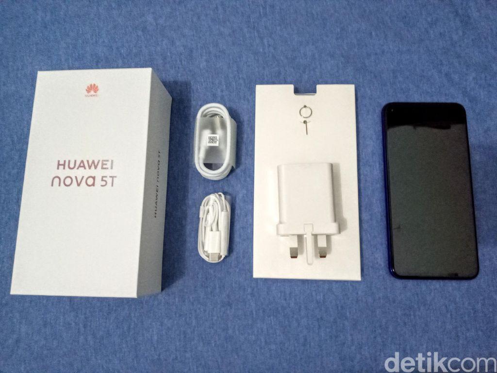 Ini dia Huawei Nova 5T yang memang dirancang untuk generasi muda di middle range. Foto: Aisyah Kamaliah/detikINET
