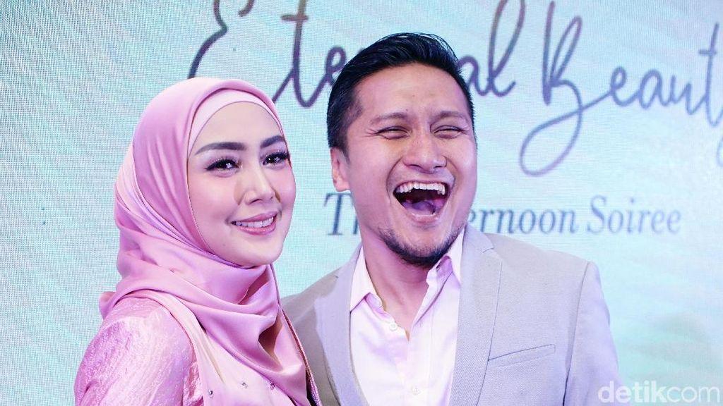 Bicara Poligami, Fenita dan Arie Untung Malah Saling Bagi Tips