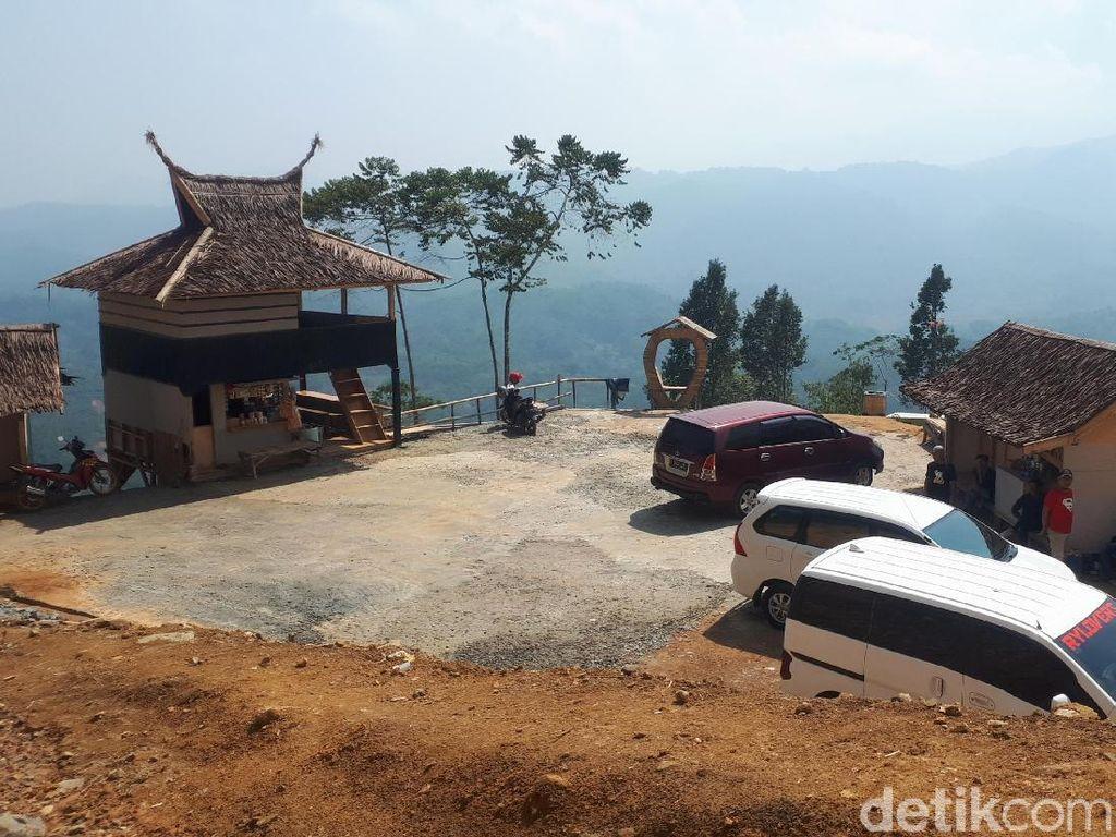 Panorama Negeri di Atas Awan Gunung Luhur (Afif Farhan/detikcom)
