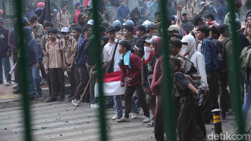 Kritik Aksi #STMmelawan, Netizen: #RusuhTidakKeren