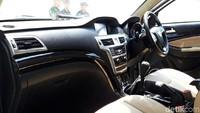 Penampakan interior mobil Esemka dengan kapasitas 4 penumpang tersebut ternyata terlihat mewah, terutama di bagian penumpang belakang.