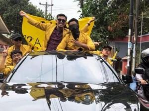Viral Mahasiswa Purwokerto Demo Pakai BMW dengan Sunroof, Netizen: Anak Sultan