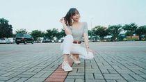 Demi Negara, Sisil eks JKT48 Turun Ikut Demo Mahasiswa