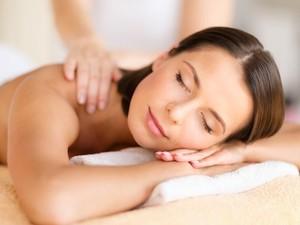 Tips Memijat Sendiri untuk Relaksasi & Redakan Stres