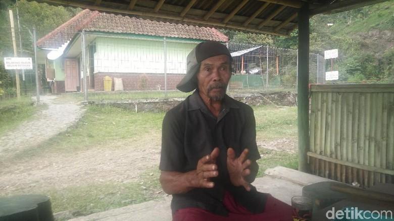 Cerita Kakek Sumo 10 Jam Daki Gunung Slamet untuk Padamkan Api
