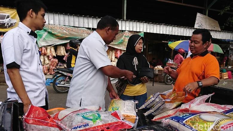 Bulog Gelar Operasi Pasar Stabilkan Harga di Tulungagung