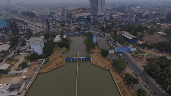 Proyek revitalisasi Kalimalang Bekasi sudah dimulai. Rencananya, sungai ini akan disulap jadi sebagus Sungai Cheonggyecheon di Korea Selatan. (dok. Humas Pemprov Jabar)