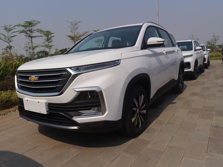 Wuling ekspor Almaz yang berubah wujud menjadi Chevrolet Captiva. Foto: Dok. Wuling Motors Indonesia