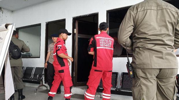 Tim Vertical Rescue telah menuju ke lokasi pesawat jatuh.