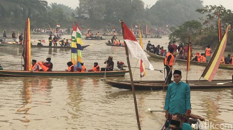 Meriahnya Festival Pamalayu di Dharmasraya
