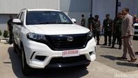 Kedatangan Kepala Staf TNI Angkatan Udara (KSAU), Marsekal TNI Yuyu Sutisna, ke pabrik mobil Esemka, PT. Solo Manufaktur Kreasi di Boyolali tersebut guna membeli 35 unit mobil Esemka Bima 1.3.