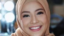 Tips Memakai Lipstik untuk Sehari-hari ala Natasha Rizky