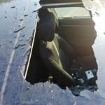 Kaca Honda Civic Meledak Gara-gara Taruh Sampo di Dalam Mobil
