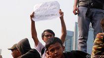 Lihat Lagi Poster Menggelitik Massa Pelajar di Kawasan DPR