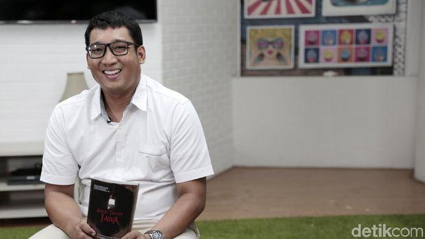 Cara Unik Kisah Tanah Jawa 'Audisi' Para Lelembut untuk Cerita di Buku