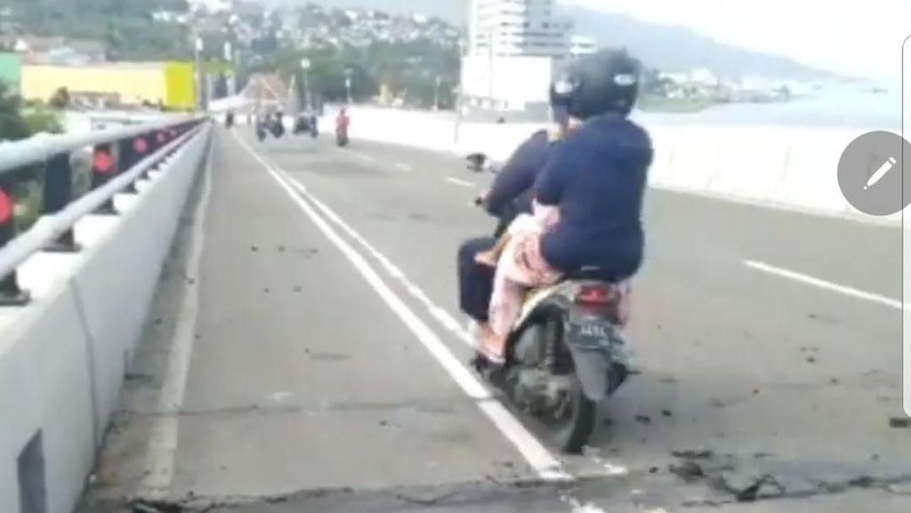 Penampakan Jembatan Merah Putih Usai Gempa di Ambon