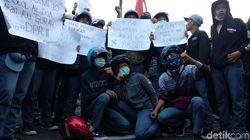 Pelajar Bandung Ikut Turun Dalam Aksi Kamisan di Depan Gedung Sate