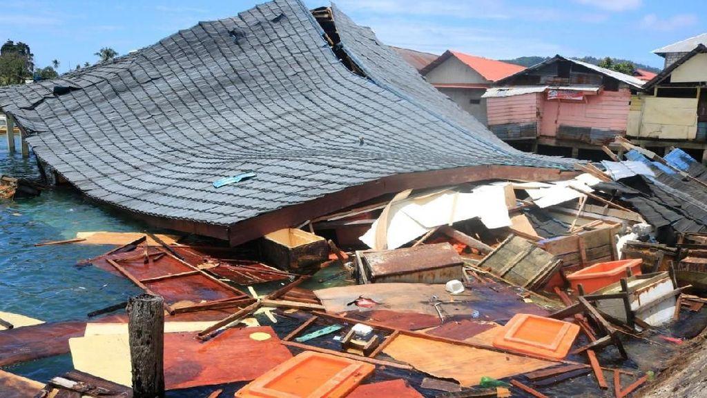 Pasar Apung Desa Tulehu Roboh Imbas Gempa di Ambon