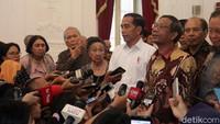 Saat memberikan keterangan di hadapan awak media, Jokowi mengatakan dirinya mendapat banyak masukan dari para tokoh tersebut, beberapa diantaranya terkait UU KPK dan demonstrasi mahasiswa, serta soal penanganan karhutla. Pasal-pasal di RUU KUHP juga menjadi perhatian dalam pertemuan tersebut.