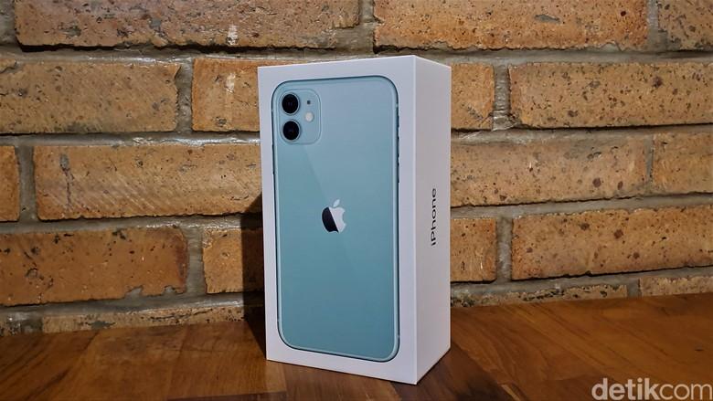 Inilah kemasan iPhone 11 versi Green. Foto: Adi Fida Rahman/detikINET