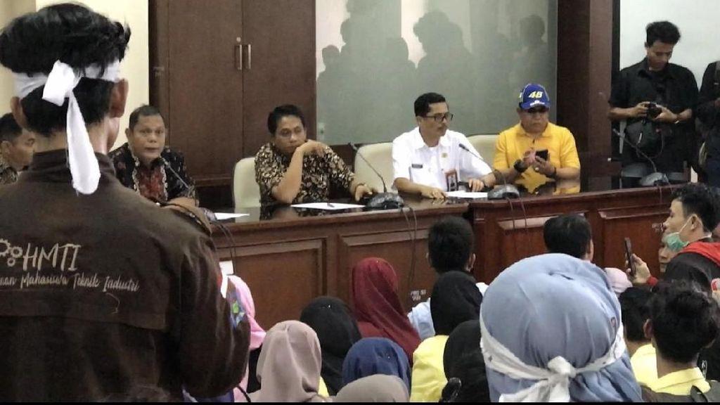 Ketua F-Gerindra DPRD Sumbar yang Teriak Turunkan Jokowi Minta Maaf