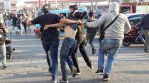 Ricuh Demo Depan Unhas, Polisi Amankan Sejumlah Massa Aksi