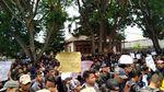 Gema Suara Aspirasi di depan Gedung DPRD Wonosobo