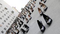 Ngeri! 440 Pasang Sepatu Hak Tinggi Perempuan yang Terbunuh Jadi Karya Seni
