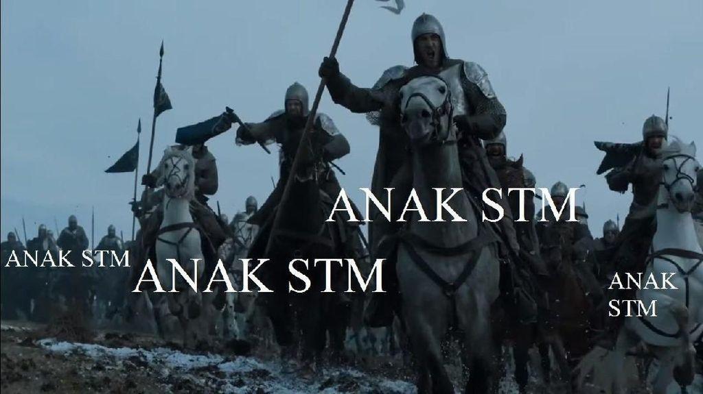 Meme unik ini membandingkan aksi mahasiswa dan anak STM dengan adegan film Game of Thrones (Anggitdl/Twitter)