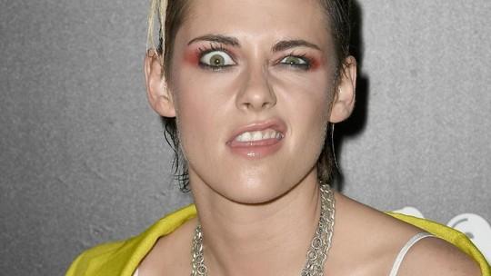 Gaya Serba Kuning Kristen Stewart