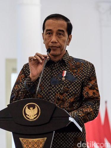 Jokowi akan melakukan peringatan Hari Batik Nasional 2019 di Solo.
