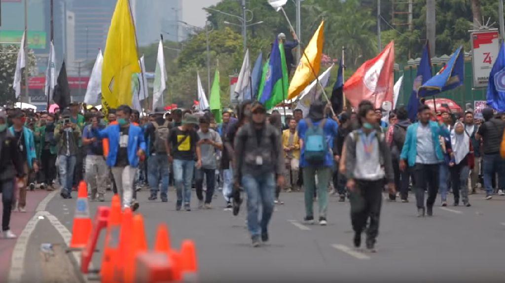 Gaung Suara Mahasiswa di Dokumenter Mosi Tidak Percaya