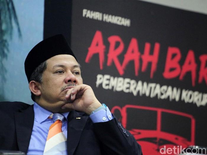 Wakil Ketua DPR Fahri Hamzah meluncurkan dua buku hasil pemikirannya. Buku tersebut berjudul