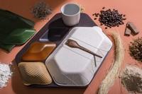 Baki makanan ini dibuat dari bahan-bahan alami seperti rumput laut dan gandum. Jadi aman bila dikonsumsi. Pun tidak dikonsumsi, sampahnya akan mudah terurai. (Foto: dok. Priestman Goode)
