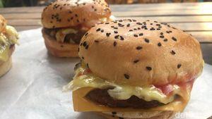 Murah Meriah, Burger Bakar Rp 18.000 yang Juicy Dagingnya