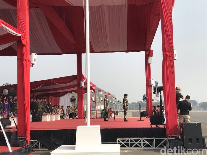Foto: Panglima TNI Marsekal Hadi Tjahjanto meresmikan tiga Komando Gabungan Wilayah Pertahanan (Kogabwilhan) (Rolando Fransiscus Sihombing/detikcom)