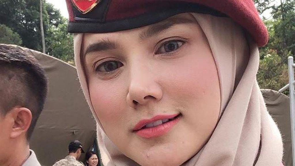 Mulan Jameela Ucapkan Ultah ke Prabowo, Netizen Salfok Jabat Tangan