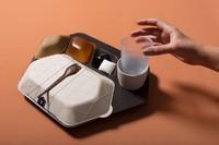 Priestman Goode, sebuah studio desain dari Inggris berhasil menciptakan prototipe produk tempat makanan pesawat yang ramah lingkungan. Baki makanan ini bisa dimakan lho!(Foto: dok. Priestman Goode)