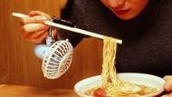 5 Penemuan Benda Unik dan Aneh Ini Bikin Makan Makin Repot
