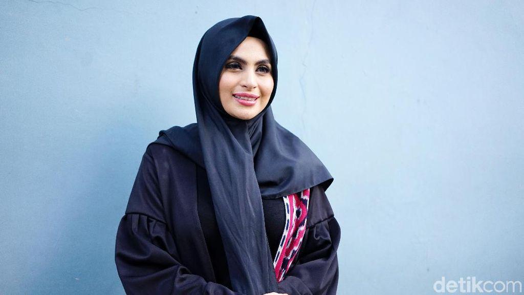 Bikin Heboh, Artis Asha Shara Posting Foto Tanpa Hijab