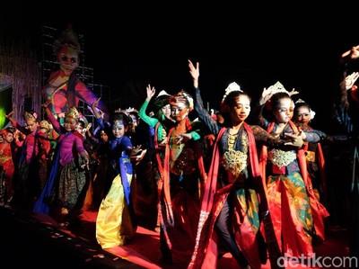 Sisi Mistis Goyang Karawang, Kampung Ronggeng Sampai Misteri Suara Gong