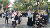 Hendak ke Istana, Massa Aksi Mujahid 212 Tertahan di Patung Kuda