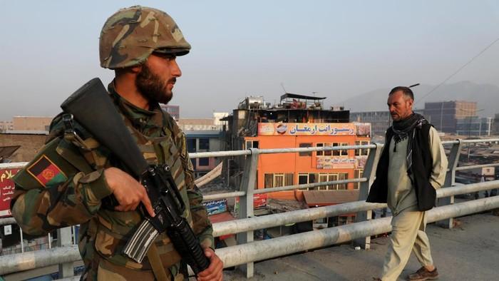 ilustrasi tentara Afghanistan (Foto: REUTERS/Omar Sobhani)