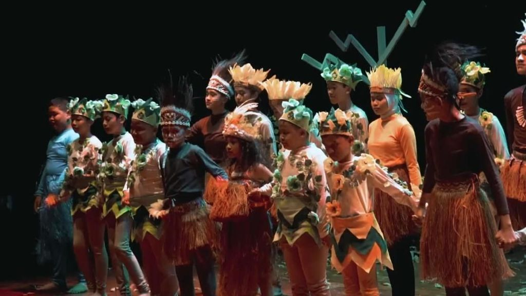 Sebuah Pembuktian Manusia di Teater Tuli