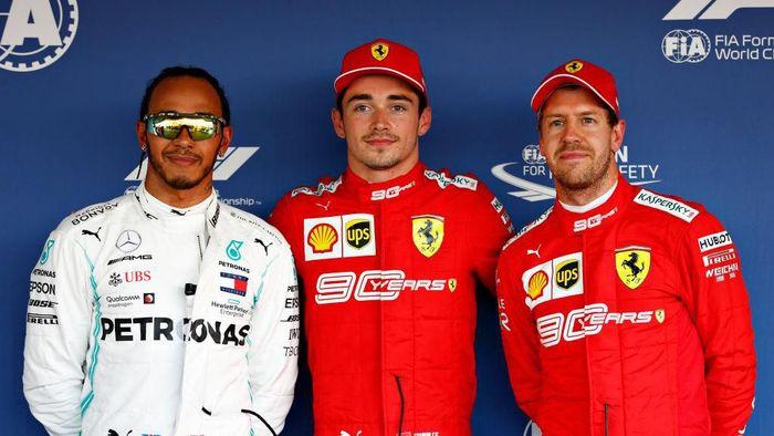 Charles Leclerc merebut pole position GP Rusia 2019, mengungguli Lewis Hamilton (kiri) dan rekan setimnya di Ferrari, Sebastian Vettel (kanan). (Foto: Will Taylor-Medhurst/Getty Images)