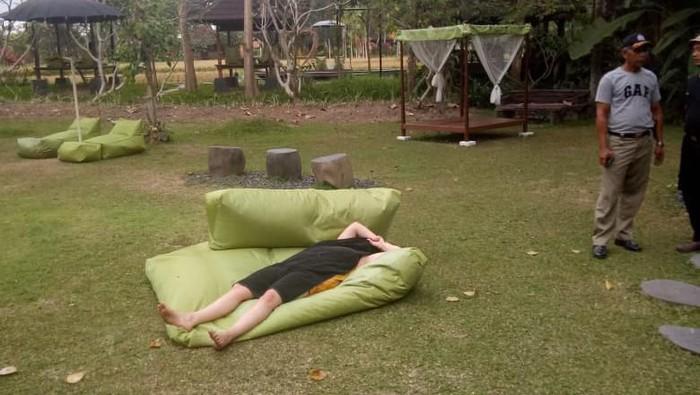 Turis Aussie di Bali yang diamankan karena telanjang. (Foto: dok. Satpol PP Gianyar).
